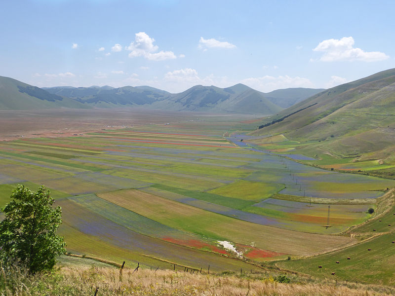 Italy Sibillini, Sibillini, View from the road leading down from Castelluccio. , Walkopedia