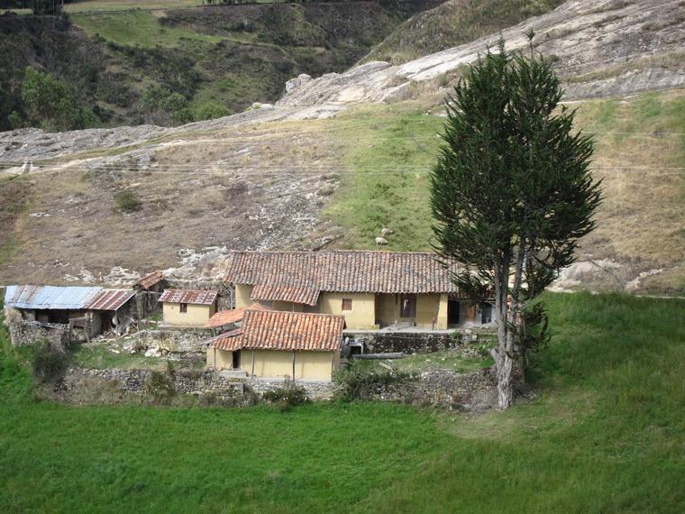 Ecuador Southern Andes, Inca Road to Ingapirca, By Ingapirca, Walkopedia
