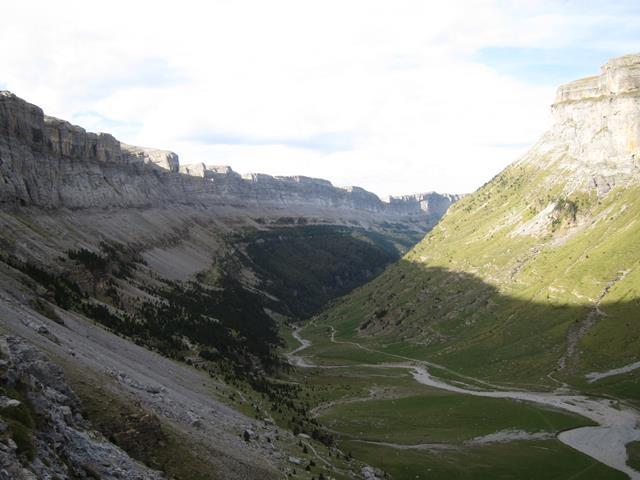 France Pyrenees, Gavarnie-Ordesa Circuit, Higher sun, Walkopedia