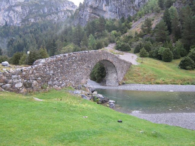 Gavarnie-Ordesa Circuit: Mediaeval Puente de Bujaruelo - © William Mackesy