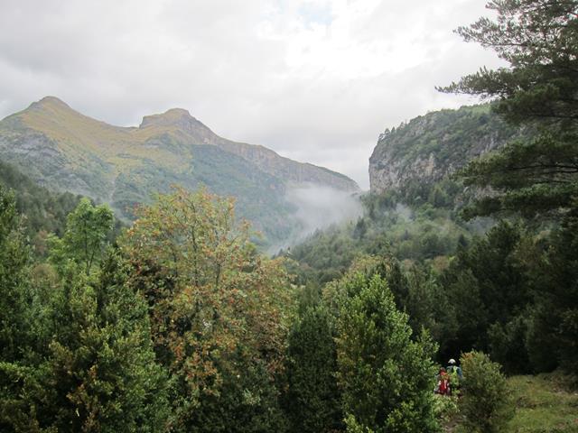 France Pyrenees, Gavarnie-Ordesa Circuit, Ara valley 1, Walkopedia