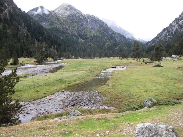 France Pyrenees, Gavarnie-Ordesa Circuit, Marcadau valley 5, Walkopedia