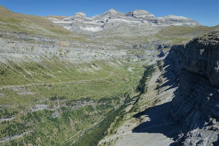 Gavarnie-Ordesa Circuit: Ordesa Gorge looking towards Monte Perdido - © Christopher J Etchells