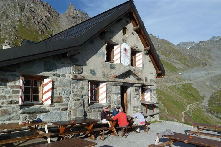 Cabane du Mont Fort (2547m) - 27th August 2015 - © Dick Everard