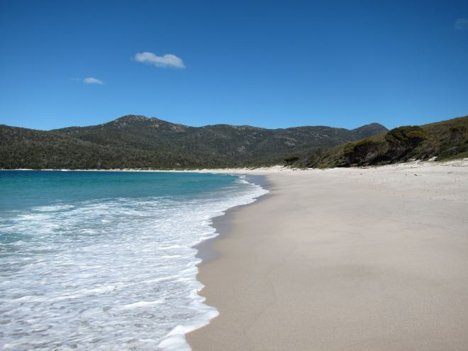 Tasmania: Wineglass Bay - © William Mackesy