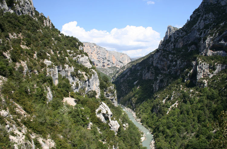 GR4 (Verdon Gorge): Verdon Gorge, France - ©By Flickr user geographyalltheway.com