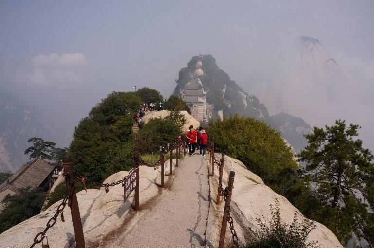 Hua Shan - Steep Path from North Peak  - © flickr- tefl Search