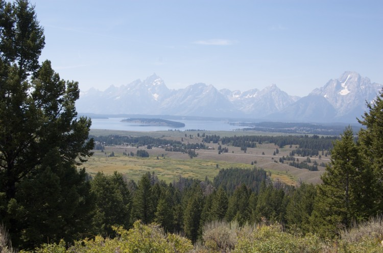 Two Ocean/Emma Matilda Lake - the Tetons and Jackson Lake From the Emma Matilda Trail - © Copyright Flickr User fiveforefun