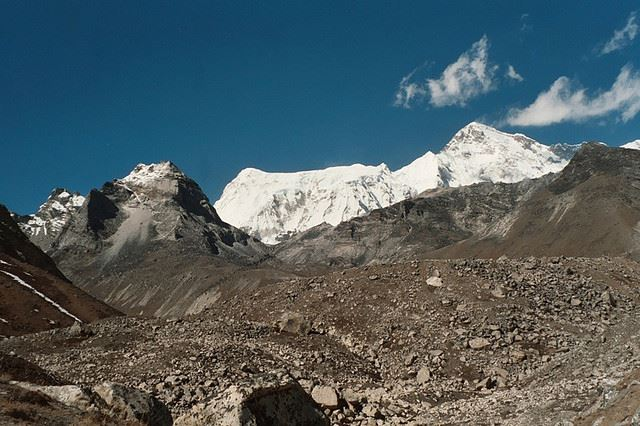 Gokyo Valley: Gokyo Valley - in the valley - © Flickr user Oliphant