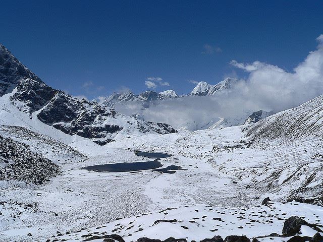 Gokyo Valley: Gokyo Valley - lakes on the way to Renjo La - © Flickr user Mahatma4711