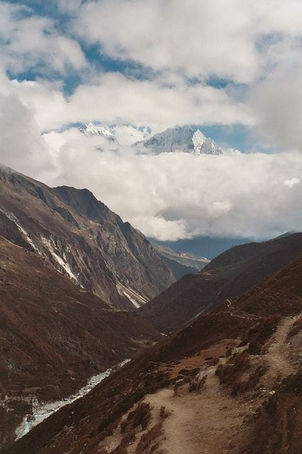 Gokyo Valley - lower valley - © Flickr user Oliphant