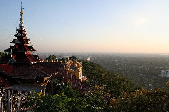 Mandalay Hill: Mandalay Hill - © Copyright Flickr user Federico Luccini