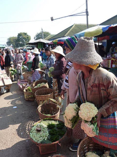 Kengtung - Kengtung market - © Copyright Flickr user jbeaulieu