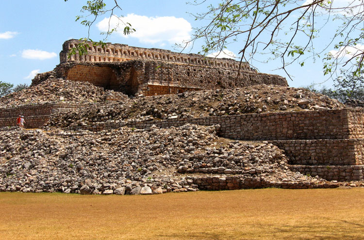 Mayan Ruins: Kabah - © By Flickr user ryePix
