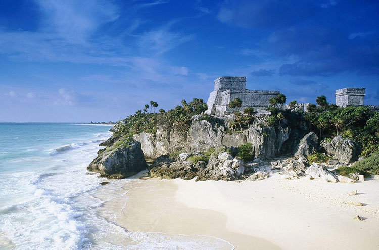 Mayan Ruins: Tulum - © By Flickr user brookcatherine5