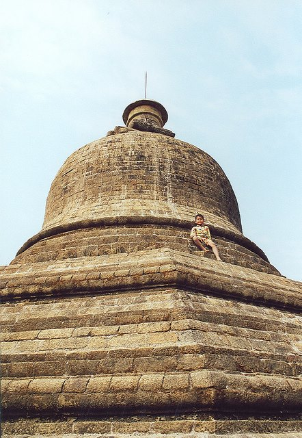 Mrauk U - Nyita Paya - © Copyright Flickr user Arian Zwegers