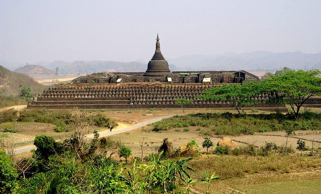 Mrauk U: Mrauk U - Paya koe Thaung - © Copyright Flickr user dany13