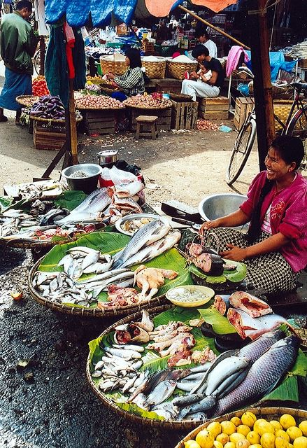 Pyin U Lwin - market - © Copyright Flickr user Arian Zwegers