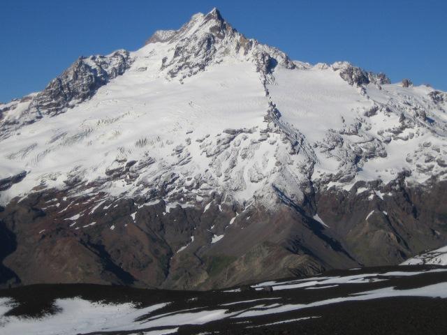 Volcan Antuco - Sierra Velluda - © Copyright Flickr user vikingsur