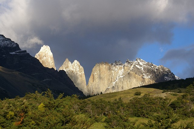 Torres del Paine Lookout - view From Campamento Torres - © Copyright Flickr user hixaga