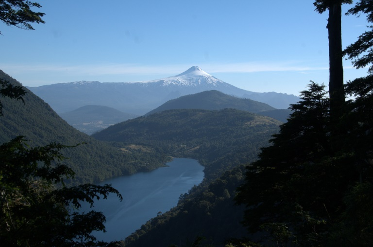 Volcan Villarrica and Lago Tinquilco - © flickr user- Brain Ralphs