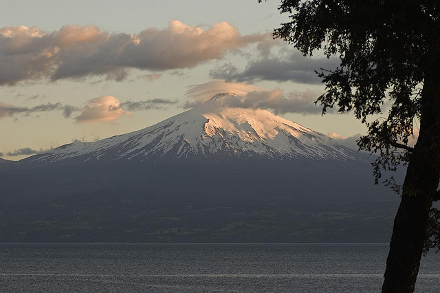 volcan villarrica - ©  flickr user- radzfoto