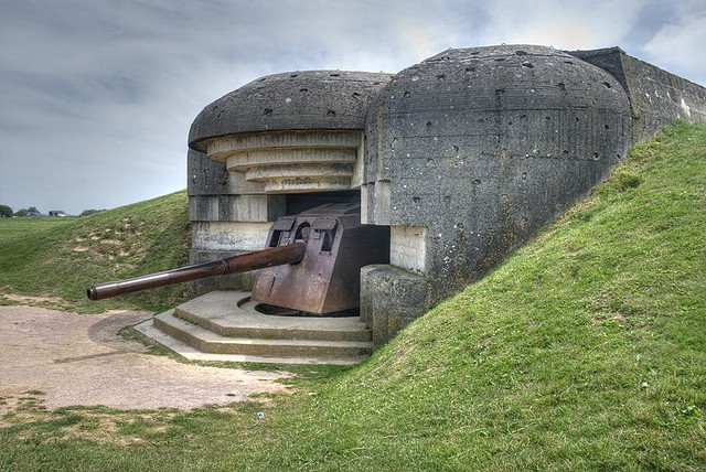 D-Day Beaches: D-Day Beaches - Longues sur Mer battery - © Copyright Flickr user Scott Chaney