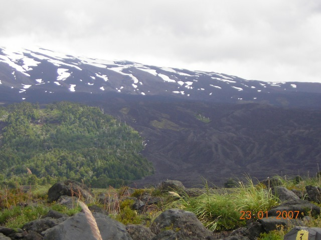 Volcan Llaima - lava trails - © Copyright Flickr user rgomez74