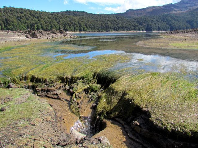 Above Laguna Conguillio - drainage hole, Laguna Conguillio - ©Copyright Flickr user Pato Novoa
