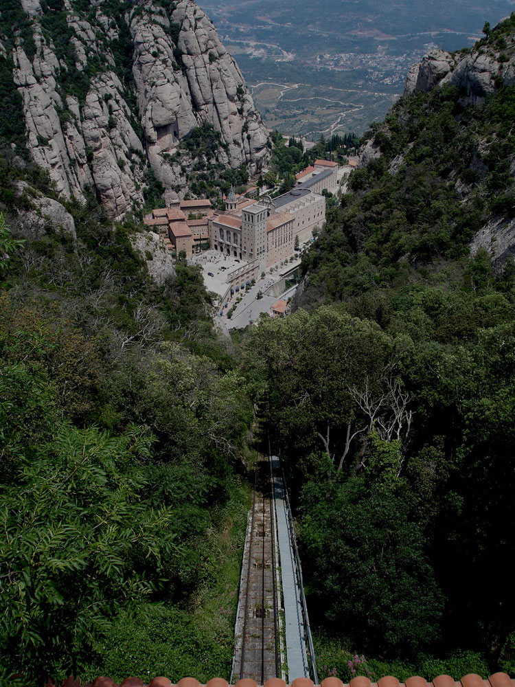 SM de Montserrat - © By Flickr user borkur.net