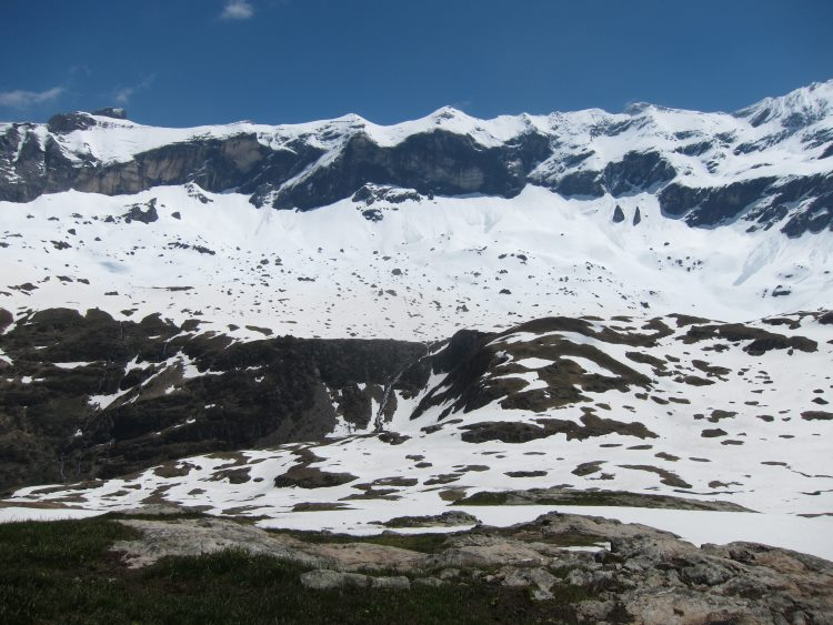 Cirque de Troumouse - Cirque From centre, late snow mid-June - © Copyright William Mackesy