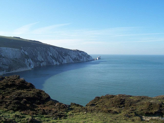 Tennyson Trail, Isle of Wight: Tennyson Trail - The Needles From Alum Bay - © Copyright Flickr user Bods